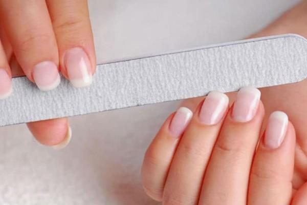 Σπάνε τα νύχια σου; Δες πως θα τα προστατεύσεις!