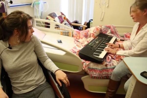 Απίστευτο κι όμως αληθινό: Ξύπνησε από το κώμα μόλις άκουσε την μητέρα της να παίζει πιάνο! (Video)