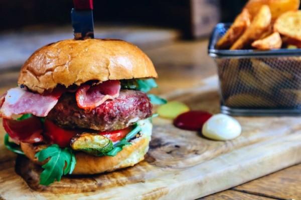 5 μέρη για να φας καλό burger στην Αθήνα
