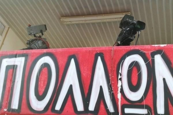 Θεσσαλονίκη: Μέλισσες επιτέθηκαν σε μπουθ καναλιού στο γήπεδο! (photos)