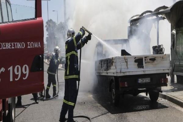 Ηράκλειο: Φωτιά σε φορτηγό πάνω στην εθνική οδό!