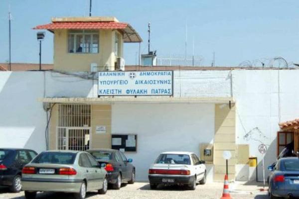 Πάτρα: Επιχείρησε να περάσει ναρκωτικά στις φυλακές μέσα σε... σαμπουάν!