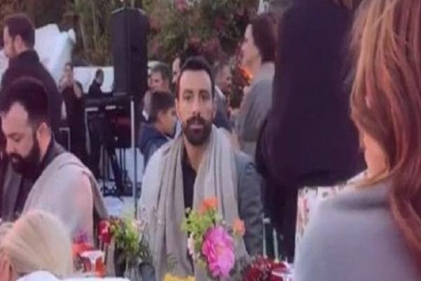 Γάμος Οικονομάκου-Μιχόπουλου: Με... κουβέρτες οι καλεσμένοι! (photos)