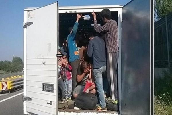 Τροχαίο στον Έβρο: Διακινητής μεταναστών έριξε το βαν σε ρεύμα για να διαφύγει!