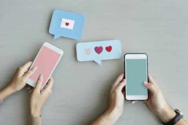 Δεν σου απαντάει γρήγορα στα μηνύματα; Αυτοί 5 λόγοι που αργεί να σου απαντήσει!