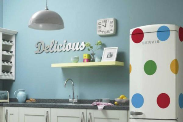 Καθαριότητα στο σπίτι: Έτσι θα διώξετε τις άσχημες μυρωδιές από το ψυγείο σας!