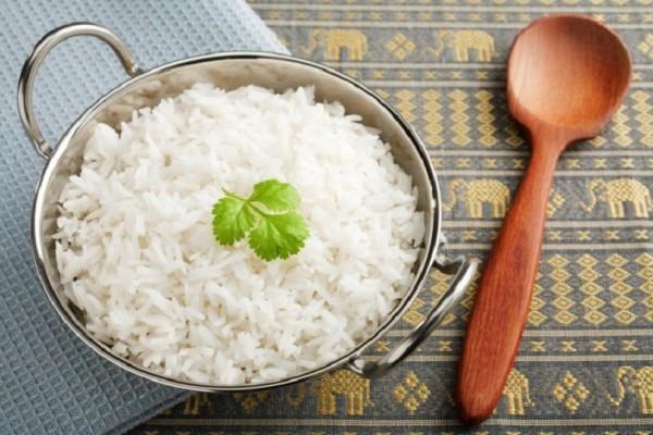 Γιατί δεν πρέπει να τρώμε το ρύζι που μαγειρέψαμε από χθες!