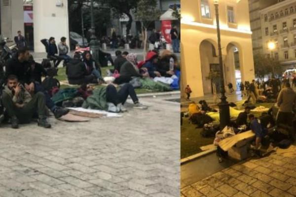 Απίστευτες εικόνες στην Θεσσαλονίκη: Η Αριστοτέλους έγινε καταυλισμός - Μετανάστες κοιμούνται πάνω στην πλατεία!