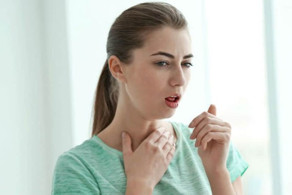 Βήχας: Πότε αποτελεί ανησυχητικό σημάδι για την υγεία;