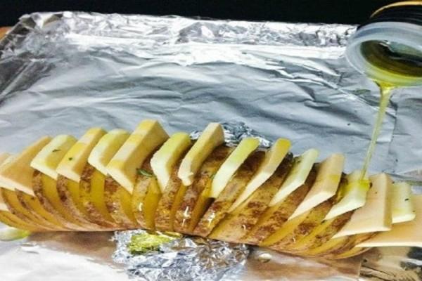Το τέλειο κόλπο! Έτσι θα μετατρέψετε μια ψητή πατάτα σε αριστούργημα!