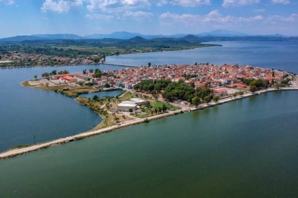 Η νερένια πόλη στην καρδιά μιας λιμνοθάλασσας!