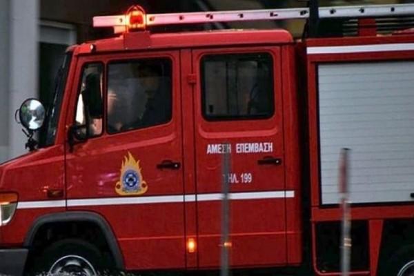 Φωτιά σε φορτηγό στο κέντρο της Αθήνας!