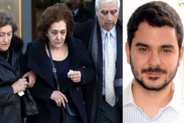 «Δολοφόνε, αλήτη!»: Δεν άντεξε και λύγισε η μητέρα του Μάριου Παπαγεωργίου!
