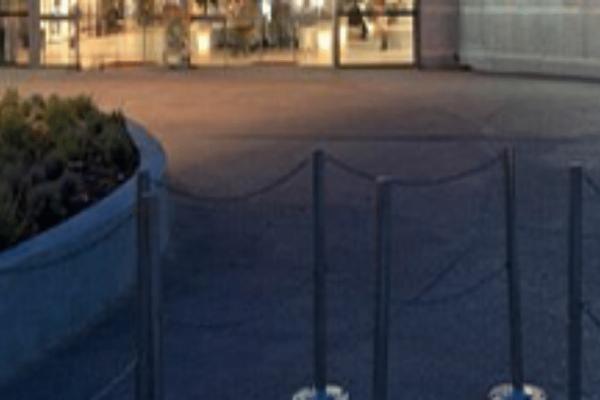 Στο «σφυρί» εμπορικό κέντρο της Αθήνας! 24 καταστήματα και πάρκινγκ σε πλειστηριασμό