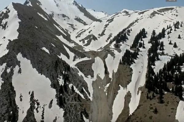 Εντυπωσιακές εικόνες από το χιονοδρομικό στα Καλάβρυτα!