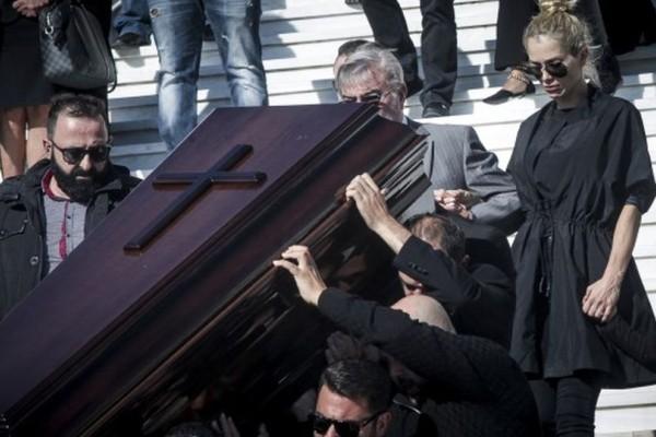 Συναγερμός: Θέλουν νεκρή και την Βικτώρια Καρύδα; Η αποκάλυψη που σοκάρει!