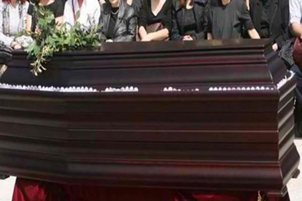 Σάλος στην Μαγνησία: Ο ιερέας παράτησε την κηδεία στην μέση και έφυγε: Ο απίστευτος λόγος!