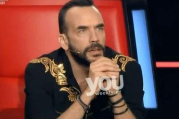 The Voice: Το λάθος που έγινε επί σκηνής και η αντίδραση του Μουζουράκη «Απλά κούναγες το κεφάλι σου όταν τα έλεγα εγώ...» (Βίντεο)