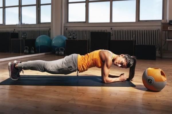 Η άσκηση που θα σε βοηθήσει να χάσεις λίπος άμεσα και αποτελεσματικά! (Video)