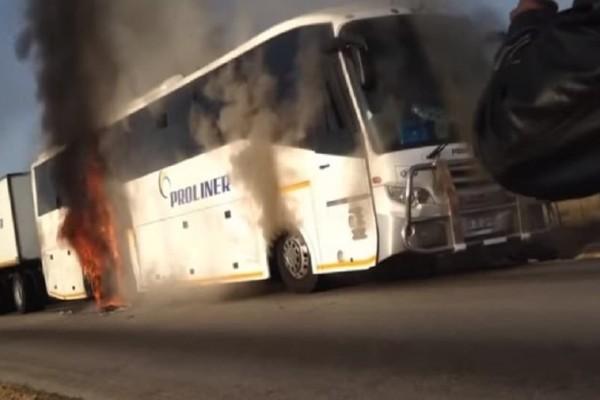Μακελειό στη Ζιμπάμπουε: Τουλάχιστον 47 νεκροί από σύγκρουση λεωφορείων!