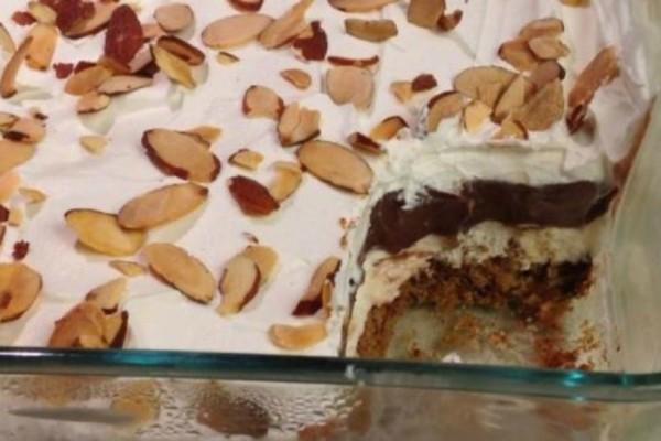 Μπισκοτογλυκό ψυγείου με κρέμα βανίλια και σοκολάτα