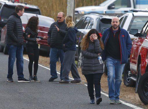Οικογενειακή τραγωδία στην έπαυλη Καρύδη στις ΗΠΑ: Σκότωσαν όλη την οικογένεια και έβαλαν φωτιά στο σπίτι! (photos)