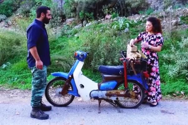 Χανιά: Έμεινε με το μηχανάκι και την έφερε μπροστά της τον άντρα της ζωής της! (video)