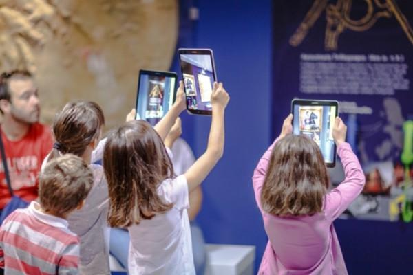 Η ωραιότερη βόλτα είναι στο Μουσείο Τηλεπικοινωνιών Ομίλου ΟΤΕ, όπου θα ζήσουμε μία νέα εμπειρία στην επικοινωνία!