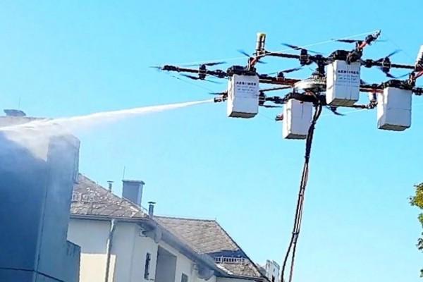 Κατασκευάστηκε drone που καθαρίζει κτίρια και σβήνει φωτιές