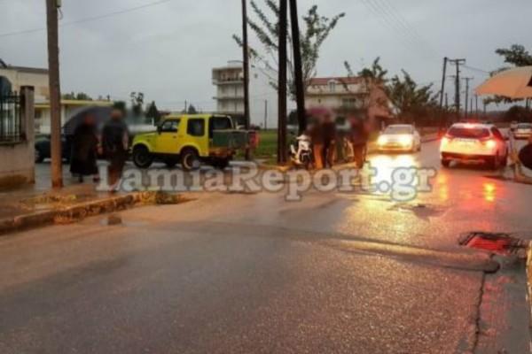 Τροχαίο σοκ στη Λαμία: 91χρονος παραβίασε STOP και παρέσυρε μηχανάκι!