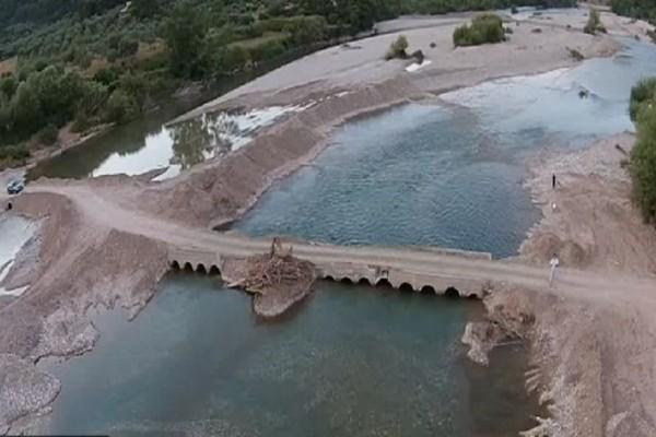 Η «Πηνελόπη» σάρωσε τα πάντα: Γκρέμισε γέφυρα που ένωνε την Ναύπακτο με το Αγρίνιο!