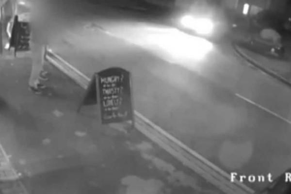 Βίντεο σοκ: Η στιγμή που μεθυσμένος οδηγός πέφτει σε πλήθος έξω από μαγαζί!