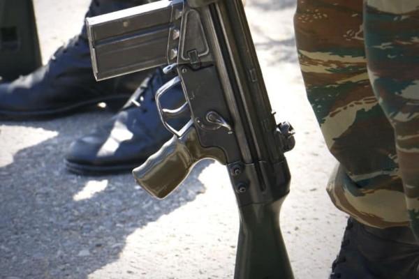 Σοκ στον ελληνικό στρατό: Νεαροί επιτέθηκαν σε 19χρονο φαντάρο