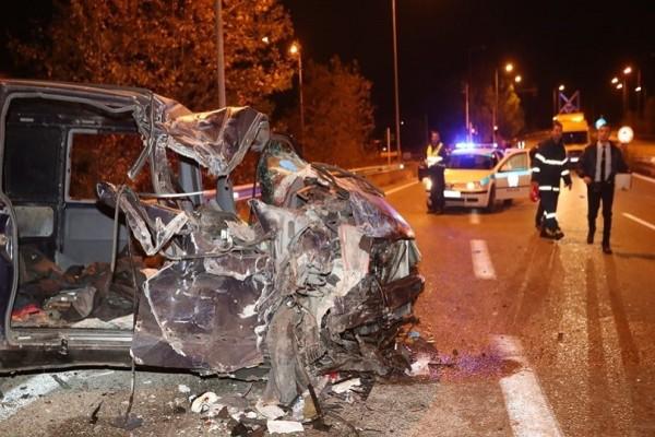 Τραγωδία στην Ασπροβάλτα: Νεκρό 4χρονο αγοράκι από σύγκρουση νταλίκας με βαν!