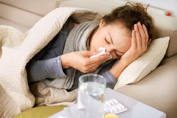 Θα σας λύσει τα χέρια: Αυτό είναι το φάρμακο που καταπολεμά το κρυολόγημα!