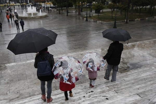 Ραγδαία επιδείνωση του καιρού προβλέπεται σήμερα, Πέμπτη! - Βροχές και πτώση θερμοκρασίας!