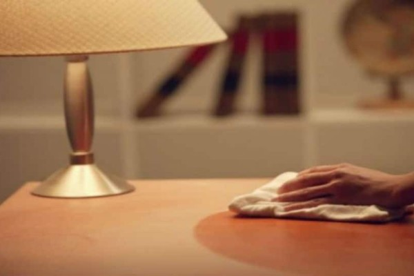 Καθαριότητα στο σπίτι: 4 τρόποι ξεσκονίσματος που δεν θα πιστεύετε!