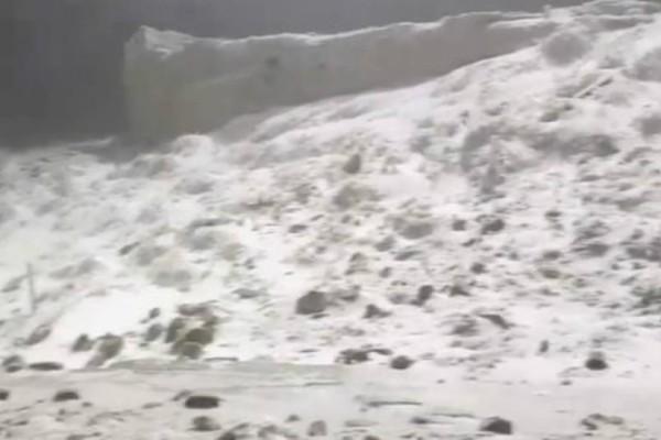 Πάρνηθα: Το έστρωσε! Λευκό τοπίο στους -2 βαθμούς Κελσίου (video)