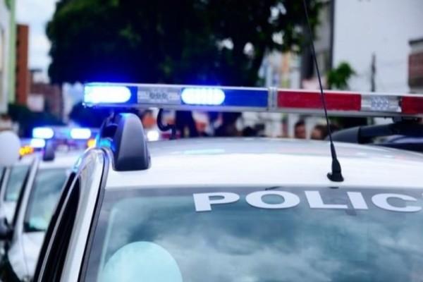 Νέα Φιλαδέλφεια: Συμμορία απειλεί με όπλα και ληστεύει στα φανάρια!