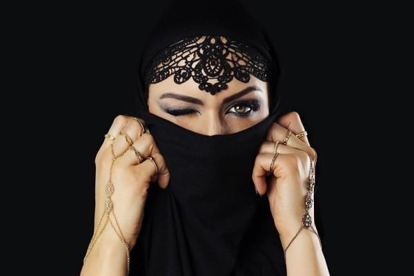 Βιβλίο μαθαίνει στις μουσουλμάνες πώς να κάνουν σeξ!