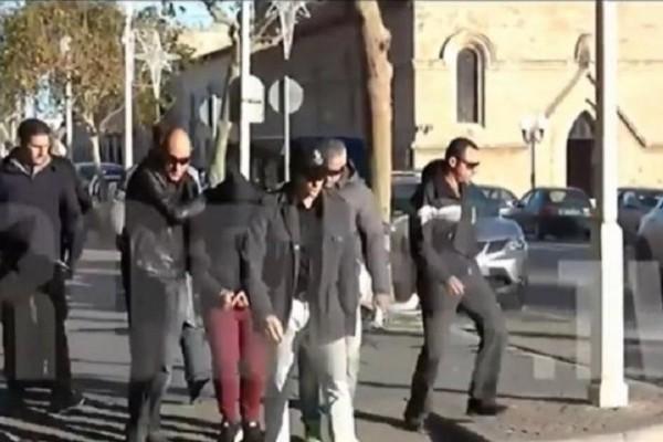 Χαμός στην Ρόδο: Άγρια επίθεση στους δολοφόνους της Ελένης Τοπαλούδη!