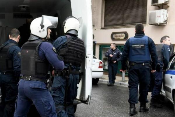 Έκρηξη στο Κολωνάκι: Ένας τραυματίας αστυνομικός! Πληροφορίες και για δεύτερο