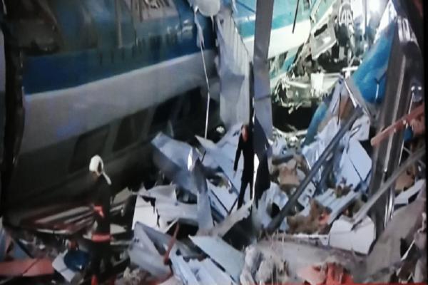 Εκτροχιασμός τρένου στην Άγκυρα με πολλούς τραυματίες!