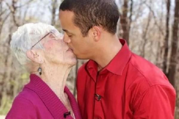 H απίστευτη σχέση μίας 91χρονης με έναν 31χρονο: Το κρεβάτι είναι απίθανο μαζί του!