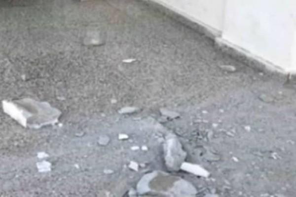Παρ' ολίγον τραγωδία: Ταβάνι έπεσε μέσα στην τάξη σε Λύκειο! (video)