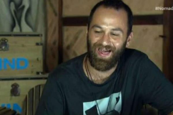 Nomads 2: Τι κάνει η γιαγιά του Μισθοφόρου κάθε μέρα; Τον έστειλε... αδιάβαστο! (βίντεο)