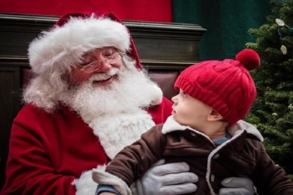 Άγιος Βασίλης: Πώς επηρεάζεται η συμπεριφορά των παιδιών που πιστεύουν στον μύθο;