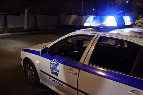 Συναγερμός στην Καισαριανή: Επίθεση 30 κουκουλοφόρων με μολότοφ στο κτίριο των ΜΑΤ