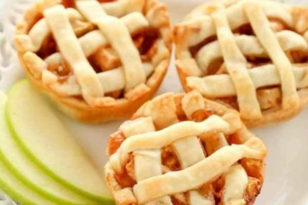 Συνταγή για πεντανόστιμα νηστίσιμα μηλοπιτάκια!