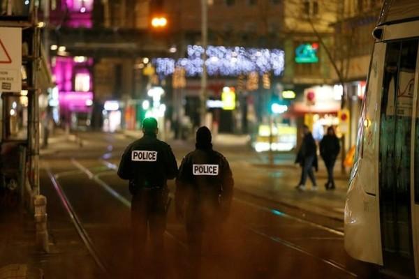 Τρομοκρατική επίθεση στο Στρασβούργο: Συνεχίζεται για δεύτερη μέρα το ανθρωποκυνηγητό για τη σύλληψη του δράστη!